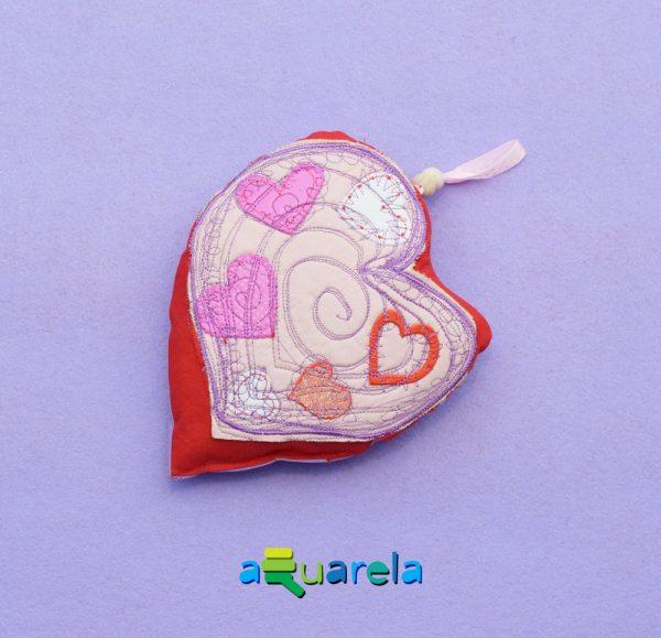 Pernă inimă roz