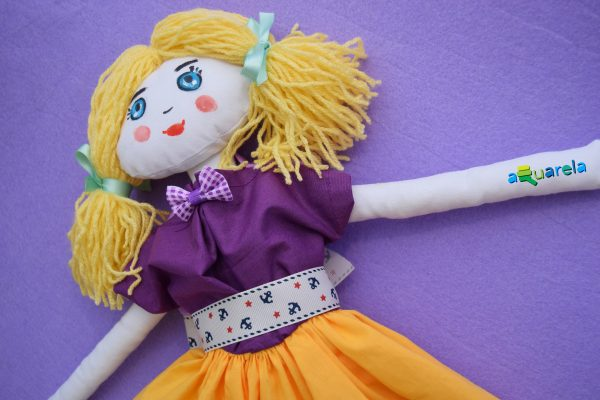 Păpușă pictată de pânză Lilac Dolly